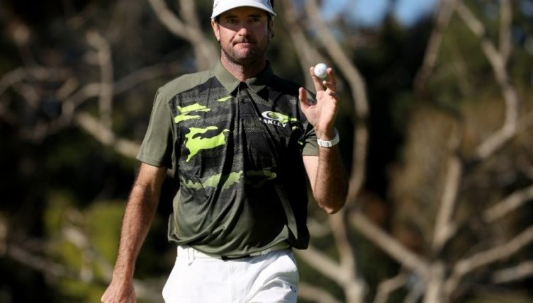 Sam Saunders opens strong again at Riviera; Woods has 72