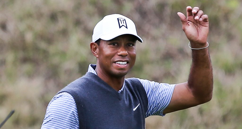 Tiger Woods salutes crowd