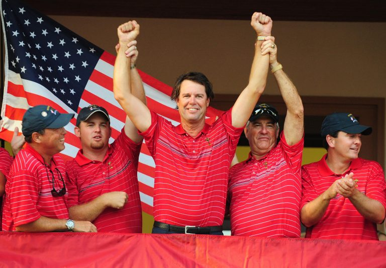 Azinger, centre, celebrates the victory at Valhalla